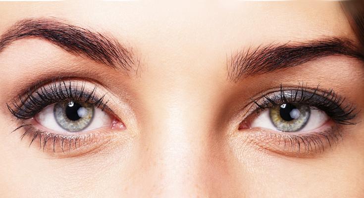 Was hilft bei geschwollenen Augen?