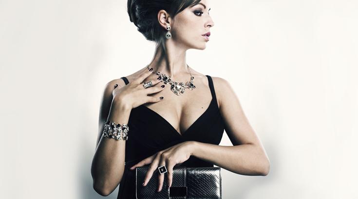Style-Ratgeber: Schmuck zum schwarzen Kleid | Schmuckladen.de