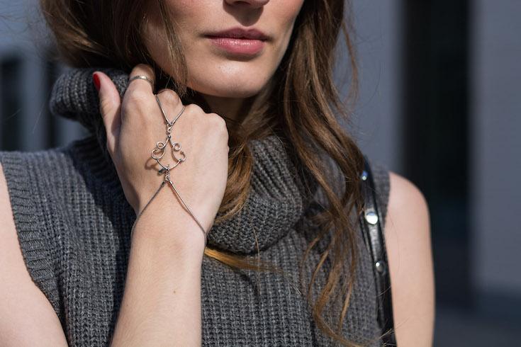Handkette by Elisabeth Landeloos | Schmuckladen.de